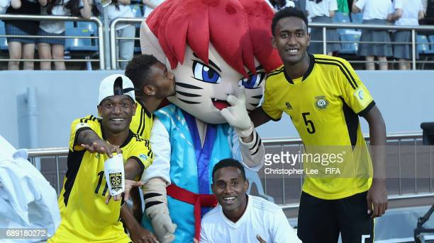 Godine Tenene Reginold Ravo Johnathan Spokeyjack and Joseph Iaruel of Vanuatu pose with mascot Chaormi during the FIFA U20 World Cup Korea Republic...