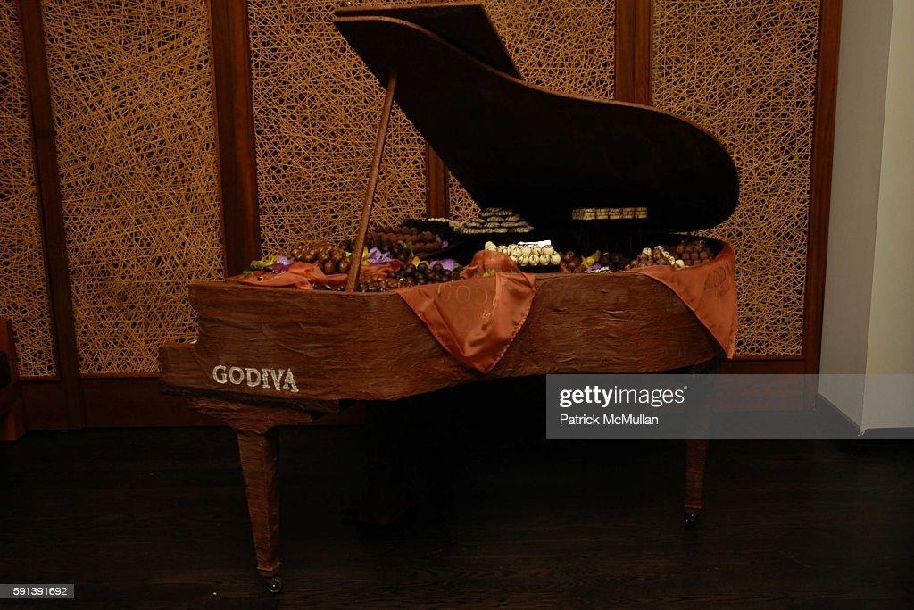 Godiva Piano attends Los Angeles Confidential Magazine Pre Oscar Bash Celebrates Cover Boy Jamie Foxx sponsored by Godiva at the W Hotel Los...