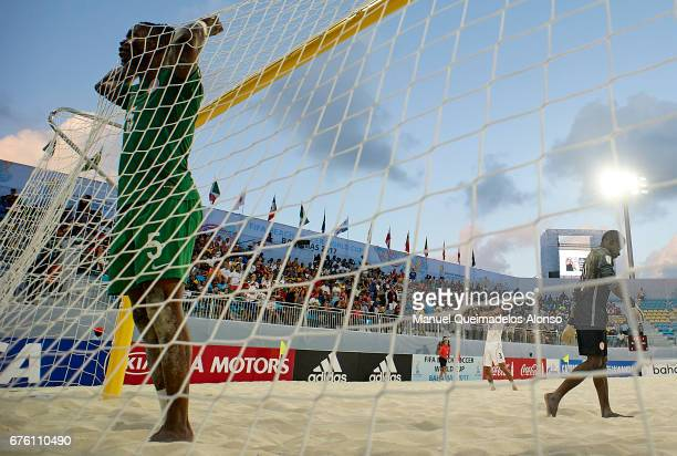 Godspower Igudia of Nigeria reacts during the FIFA Beach Soccer World Cup Bahamas 2017 group B match between Nigeria and Iran at at National Beach...