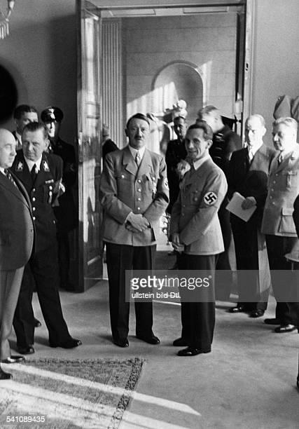 Goebbels Joseph *29101897Politiker NSDAP DEmpfang im Reichsministerium fürVolksaufklärung und Propaganda anlässlichdes 40 Geburtstages von Joseph...