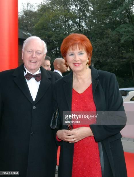 Goessel Heidrun von Fernsehansagerin Moderatorin D mit Ehemann Dr Gerd Jacobs