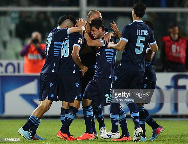 Gokhan Inler with his teammates of SSC Napoli celebrates after scoring the opening goal during the Serie A match between Pescara and SSC Napoli at...
