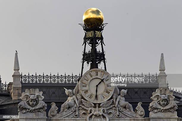 A gold finial stands above Spain's central bank also known as Bank of Spain in Madrid Spain on Sunday Feb 16 2014 Spain's government is asking banks...