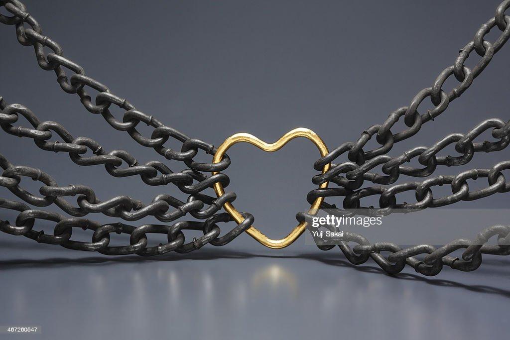 gold hart gathered chain
