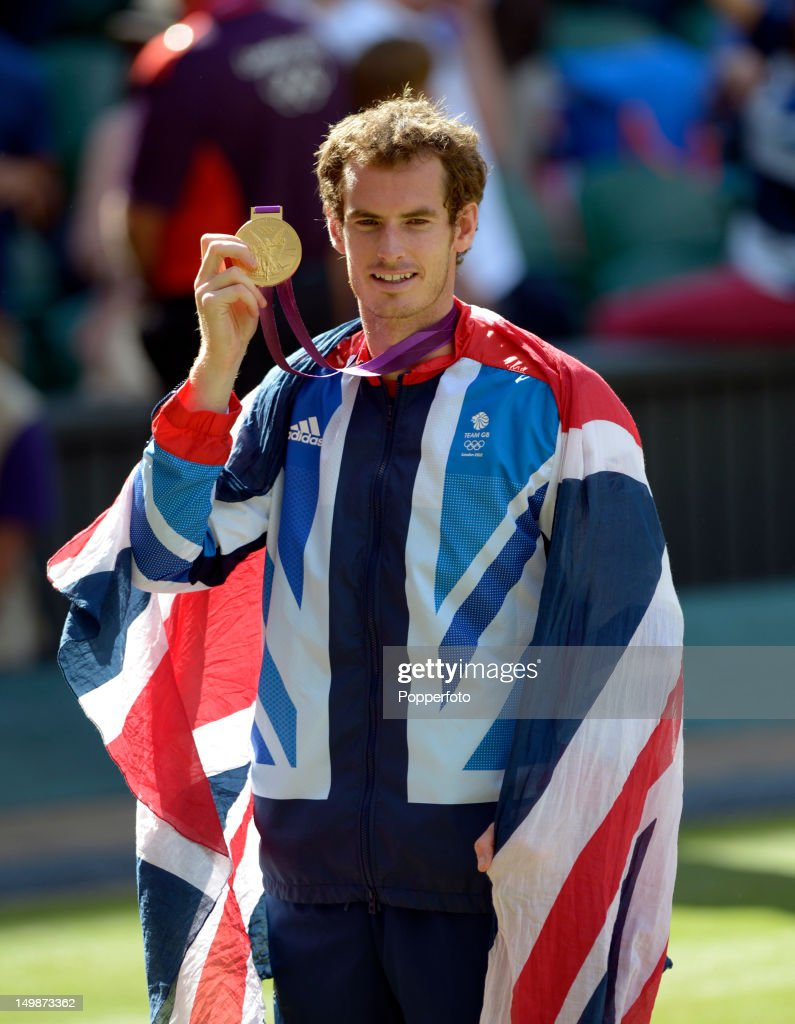 Gold medalist <a gi-track='captionPersonalityLinkClicked' href=/galleries/search?phrase=Andy+Murray+-+Tennis+Player&family=editorial&specificpeople=200668 ng-click='$event.stopPropagation()'>Andy Murray</a> of Great Britain poses during the medal ceremony for the Men's Singles Tennis match on Day 9 of the London 2012 Olympic Games at the All England Lawn Tennis and Croquet Club on August 5, 2012 in London, England.