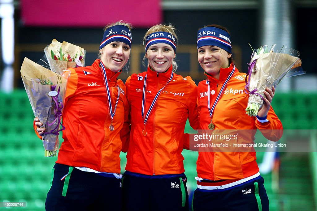 Gold medalist Carlijn Achtereekte of the Netherlands (C), Silver medalist <a gi-track='captionPersonalityLinkClicked' href=/galleries/search?phrase=Jorien+Voorhuis&family=editorial&specificpeople=4950757 ng-click='$event.stopPropagation()'>Jorien Voorhuis</a> of the Netherlands (L) and Bronze medalist <a gi-track='captionPersonalityLinkClicked' href=/galleries/search?phrase=Diane+Valkenburg&family=editorial&specificpeople=4877218 ng-click='$event.stopPropagation()'>Diane Valkenburg</a> of the Netherlands (R) pose after winnig the 1500m Ladies Division B on day 1 of the ISU Speed Skating World Cup at the Hamar Olympic Hall on January 31, 2015 in Hamar, Norway.