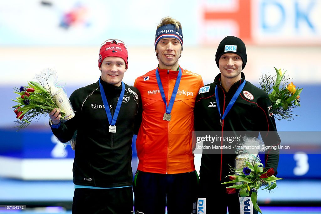 Gold medalist <a gi-track='captionPersonalityLinkClicked' href=/galleries/search?phrase=Jorrit+Bergsma&family=editorial&specificpeople=7364017 ng-click='$event.stopPropagation()'>Jorrit Bergsma</a> of the Netherlands (C), Silver medalist <a gi-track='captionPersonalityLinkClicked' href=/galleries/search?phrase=Sverre+Lunde+Pedersen&family=editorial&specificpeople=6523814 ng-click='$event.stopPropagation()'>Sverre Lunde Pedersen</a> of Norway (L) and Bronze medalist Patrick Beckert of Germany (R) pose for a photo after winning the Men's 5000m on Day 1 of the ISU World Cup Speed Skating Final at the Gunda Niemann-Stirnemann-Halle on March 21, 2015 in Erfurt, Germany.