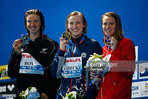 Gold medallist Katie Ledecky of the United States poses with silver medallist Lauren Boyle of New Zealand and bronze medallist Jaz Carlin of Great...