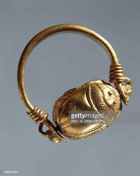 Gold ring depicting a scarab Italy Goldsmith art Greek civilization Magna Graecia Taranto Museo Archeologico Nazionale