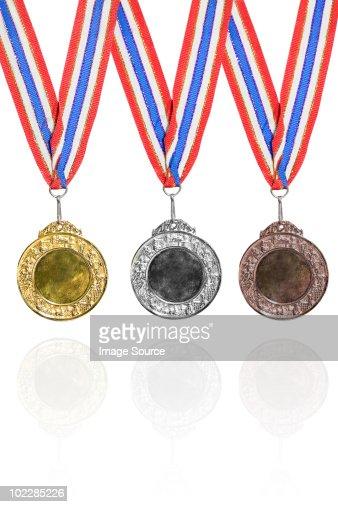 金、銀および銅メダル賞