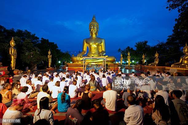 Golden buddha statue at Wat Phra Yai, Pattaya