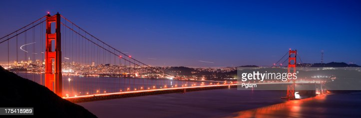 ゴールデンゲートブリッジの夜景