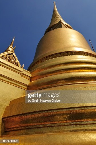 Golden Jedi at Grand Palace (Wat Phrakaew) : Stock Photo