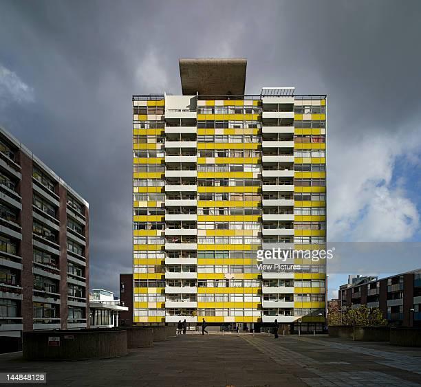 Golden Lane Housing Estate Golden Lane London Ec4 United Kingdom Architect Chamberlin Powell And Bon Golden Lane Estate Barbican London 2010...