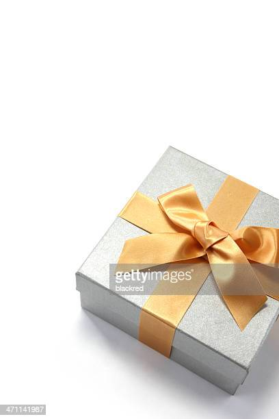 Presente de fita Ouro