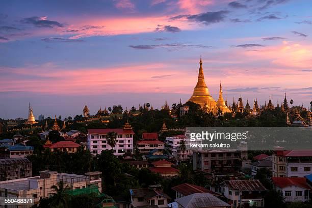 Golden Schwedagon paya