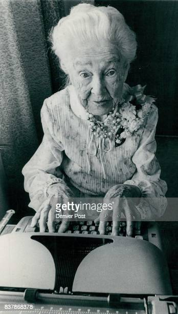 Goldianne Thompson Strikes Familiar Pose At Typewriter Oval photo top left shows 101yearold Mrs Thompson when she was 18 Credit The Denver Post