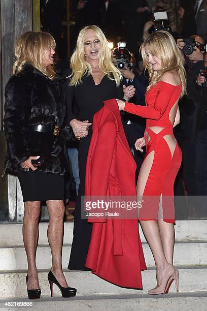Goldie Hawn Donatella Versace and Kate Hudson arrive at Versace Fashion Show during Paris Fashion Week Haute Couture S/S 2015 on January 25 2015 in...