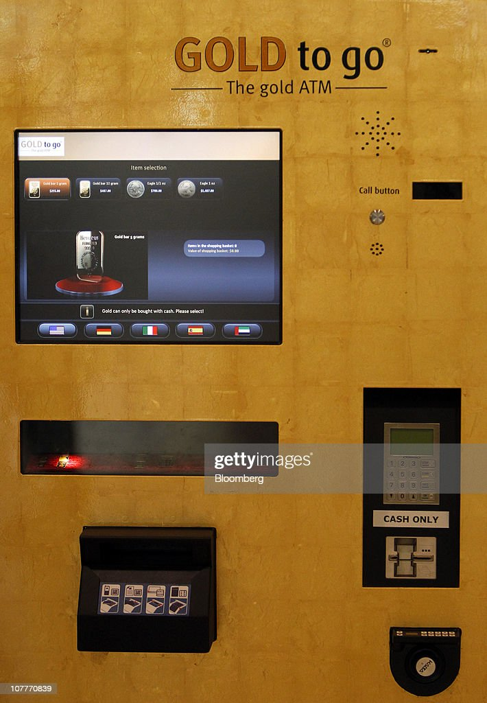 gold to go dispensing machine at simon town center mall getty images. Black Bedroom Furniture Sets. Home Design Ideas