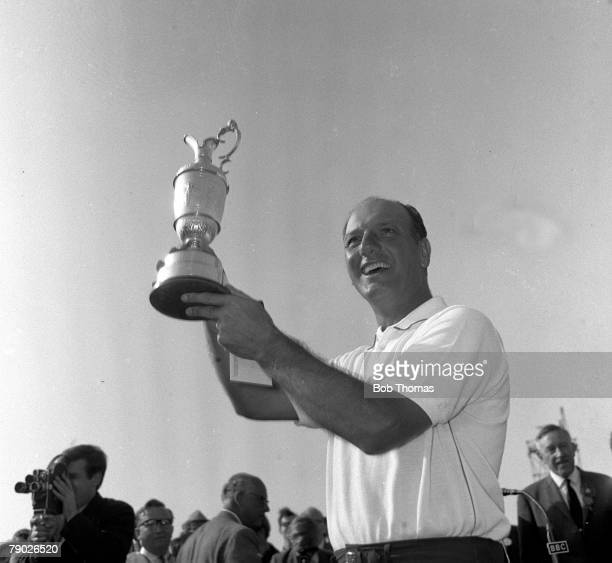 Golf 1967 British Open Golf Championship Hoylake The 1967 Open Champion Argentina's Roberto de Vicenzo with the Claret Jug after his victory