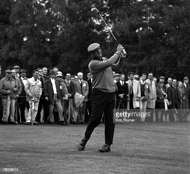 Golf 1967 Picadilly World Matchplay Wentworth Surrey Roberto De Vicenzo Argentina