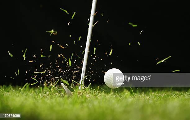 ゴルフボールヒット中