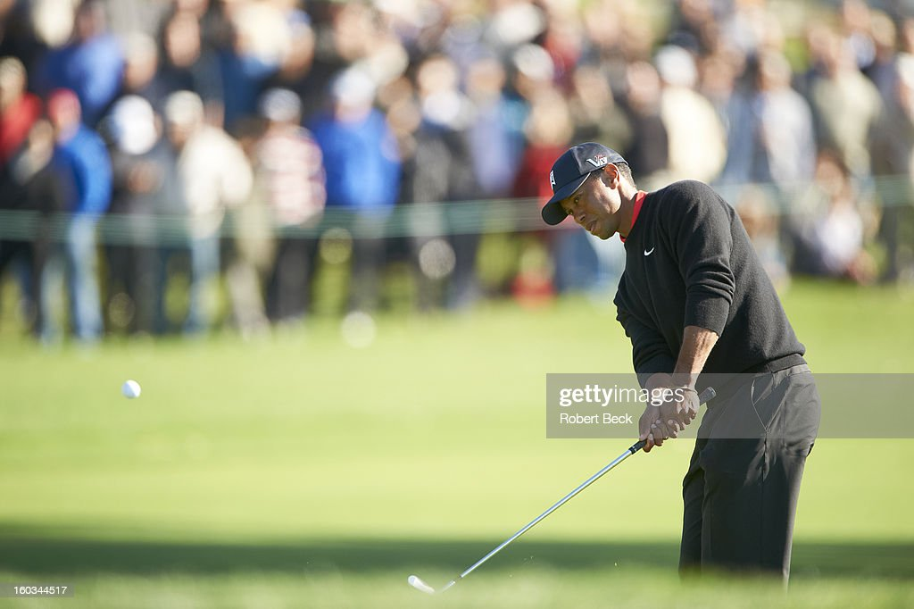 Tiger Woods in action during Monday play at Torrey Pines GC. Robert Beck F3 )