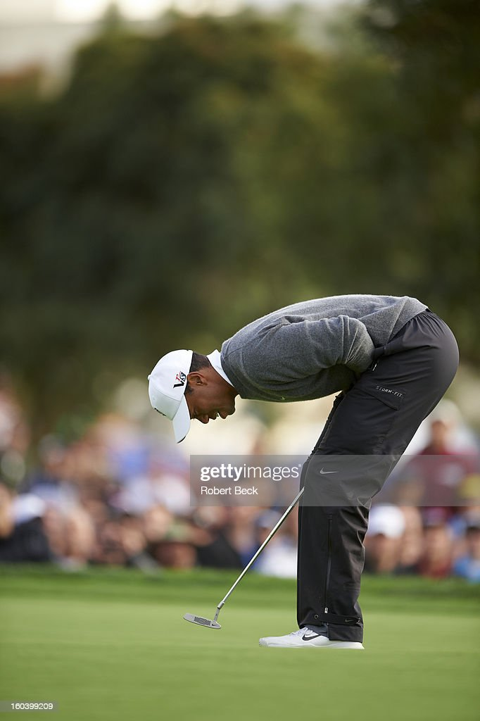 Tiger Woods upset during Sunday play at Torrey Pines GC. Robert Beck F360 )