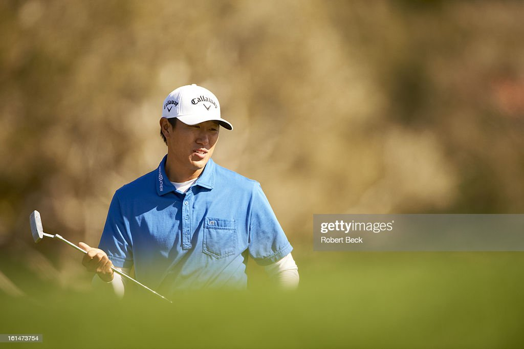 Closeup of James Hahn during Sunday play at Pebble Beach Golf Links. Robert Beck F124 )