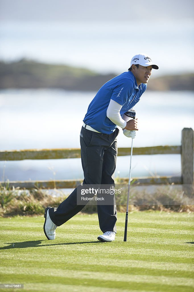 James Hahn reacts after drive during Sunday play at Pebble Beach Golf Links. Robert Beck F129 )