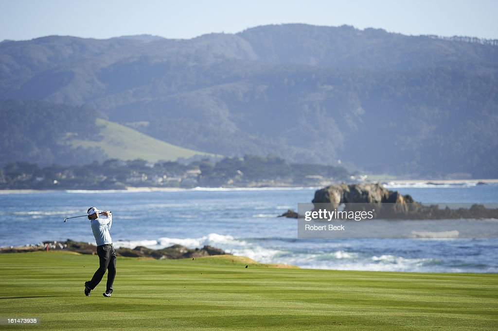 Scenic view of Brandt Snedeker in action during Sunday play at Pebble Beach Golf Links. Robert Beck F15 )