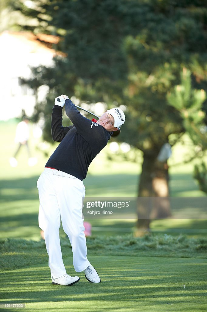 Ted Potter Jr. in action, drive during Sunday play at Pebble Beach Golf Links. Kohjiro Kinno F4 )
