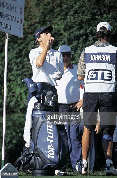 Safeco Classic Chris Johnson taking vitamin supplements to avoid chronic fatigue syndrome during Friday play at Meridian Valley CC Kent WA 9/11/1998...