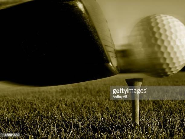 ゴルフスイングボールの動きをセピア