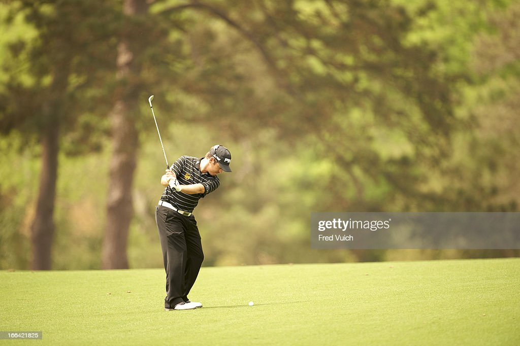 Louis Oosthuizen in action during Thursday play at Augusta National. Fred Vuich F26 )