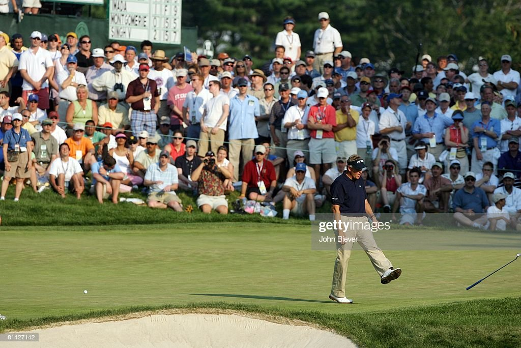 Golf US Open Colin Montgomerie upset kicking putter on green during Sunday play at Winged Foot GC Mamaroneck NY 6/18/2006