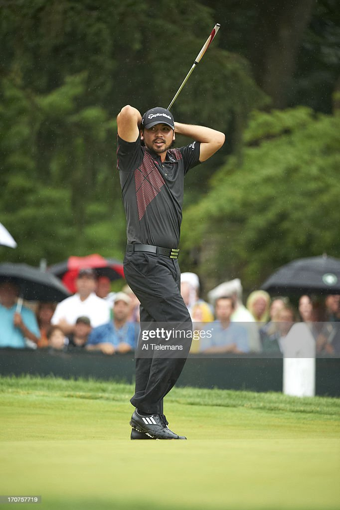 Jason Day upset during Sunday play at Merion GC. Al Tielemans F28 )