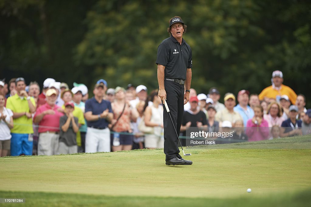 Phil Mickelson upset during Sunday play at Merion GC. Robert Beck F76 )