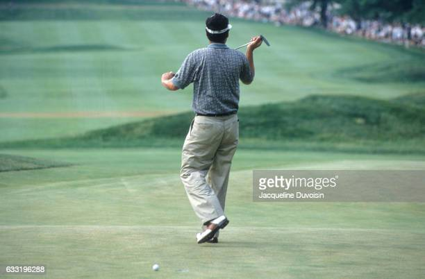 US Open Rear view of Loren Roberts after missing four foot putt on No 18 during Sunday play at Oakmont CC Pittsburgh PA CREDIT Jacqueline Duvoisin