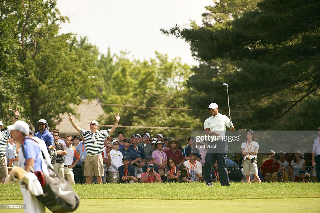 Tiger Woods upset during Saturday play at Merion GC. Fred Vuich F83 )