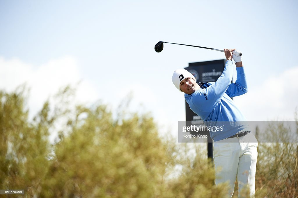 Matt Kuchar in action, drive during Sunday play at Ritz-Carlton GC of Dove Mountain. Kohjiro Kinno F5 )