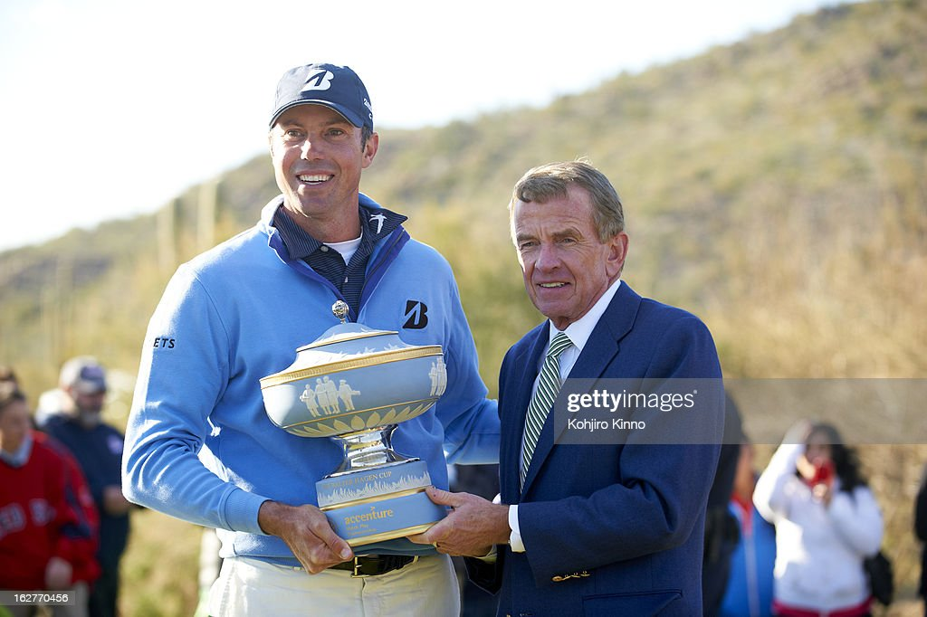 Matt Kuchar victorious with PGA Tour commissioner Tim Finchem, holding Walter Hagen Cup after winning tournament on Sunday at Ritz-Carlton GC of Dove Mountain. Kohjiro Kinno F125 )