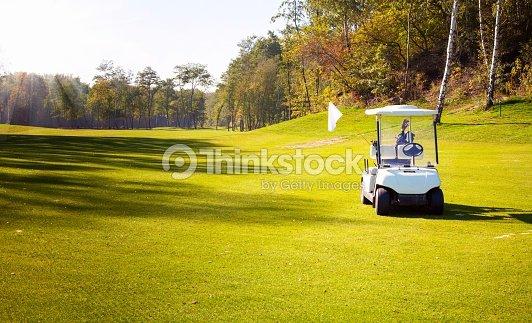 golf cart auto sul campo di golf course : Foto stock