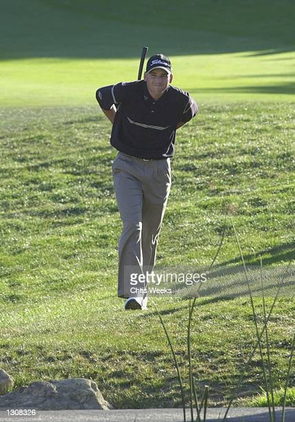 Golfer Sergio Garcia walks toward the 18th green December 2 2000 during the Williams World Challenge golf tournament at Sherwood Country Club in...