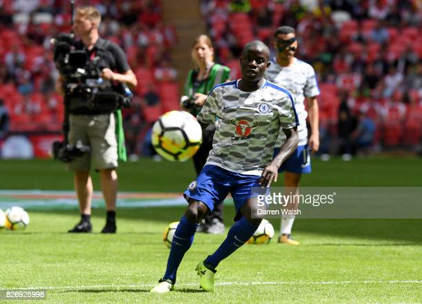 Golo Kante of Chelsea warms up prior to the The FA Community Shield final between Chelsea and Arsenal at Wembley Stadium on August 6 2017 in London...