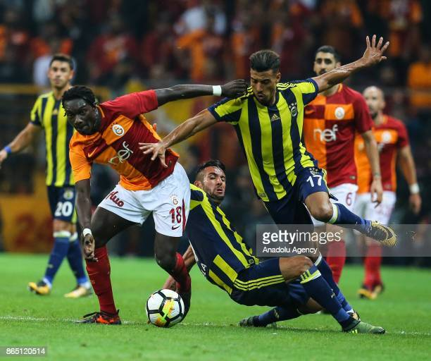 Gomis of Galatasaray in action against Nabil Dirar of Fenerbahce during the Turkish Super Lig match between Galatasaray and Fenerbahce at Ali Sami...