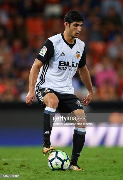 Goncalo Guedes of Valencia controls the ball during the La Liga match between Valencia and Malaga at Estadio Mestalla on September 19 2017 in...