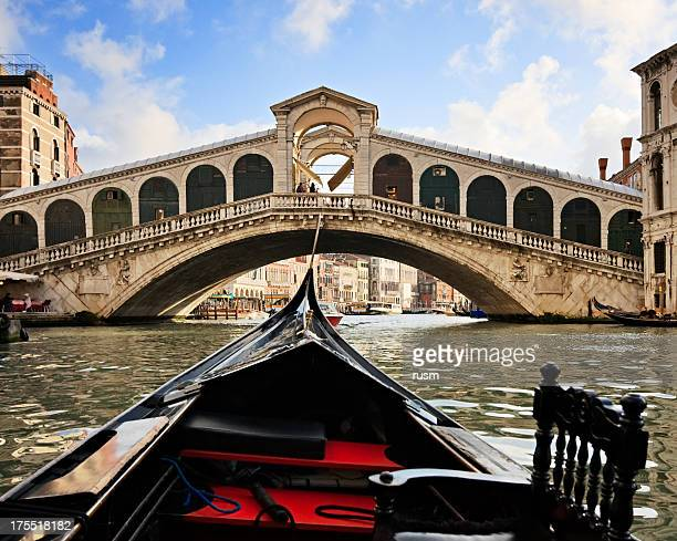 Gondel nahe der Rialtobrücke, Venedig, Italien
