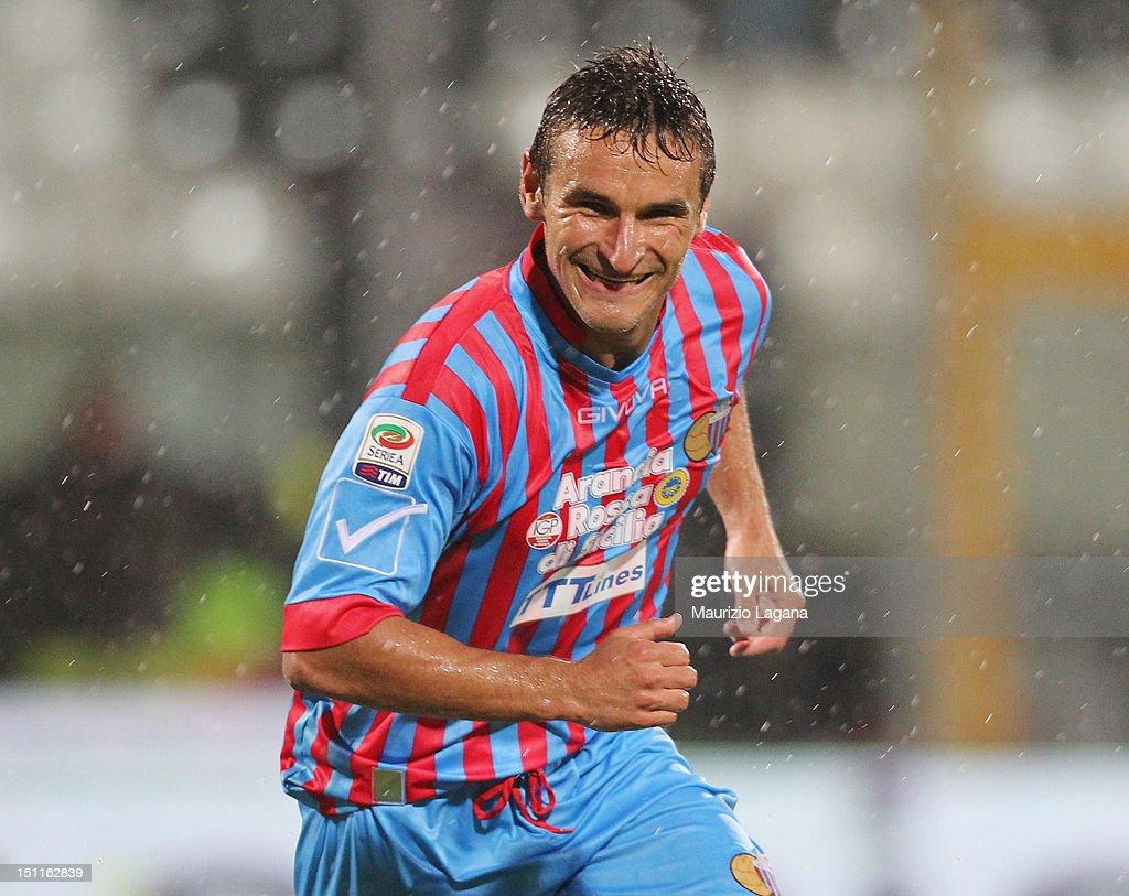 Gonzalo Bergessio of Catania celebrates after scoring the 11 equalizing goal during the Serie A match between Calcio Catania and Genoa CFC at Stadio...