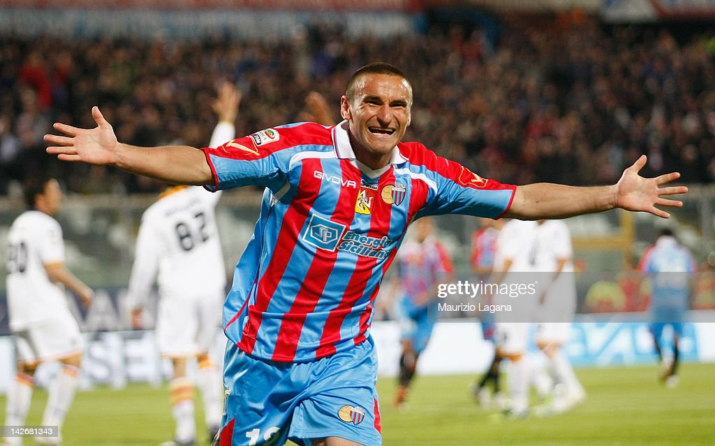 Gonzalo Bergessio of Catania celebrates his team's openiong goal during the Serie A match between Catania Calcio and US Lecce at Stadio Angelo...